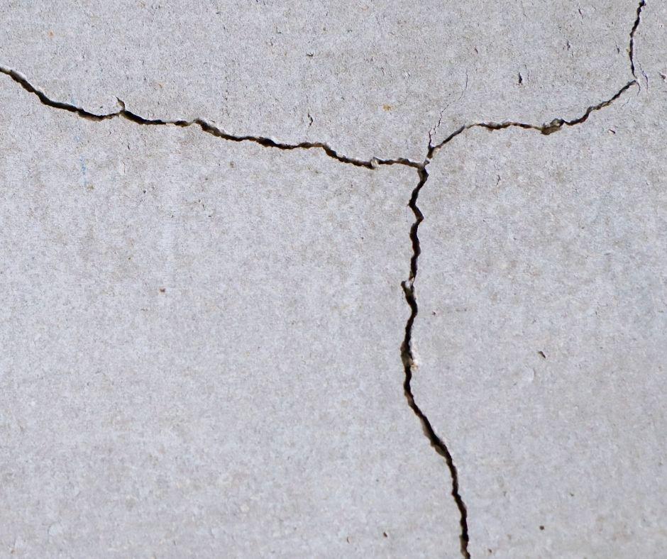 foundation cracks and foundation crack repair